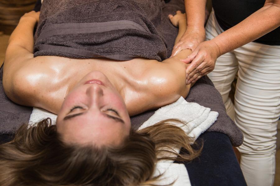 amaranth-behandelingen-volledige-lichaamsmassage